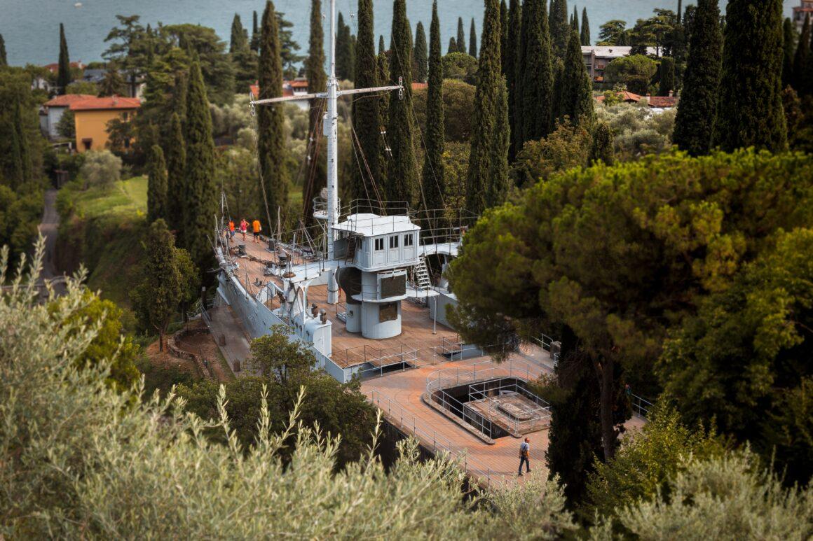 Vittoriale degli Italiani, Nave Puglia