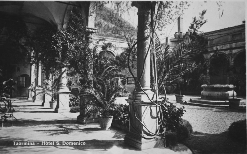 Fotografia storica del Chiostro, San Domenico Palace